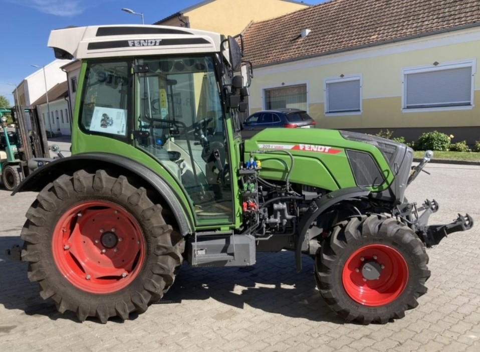 Fendt 209P 2009 price for sale